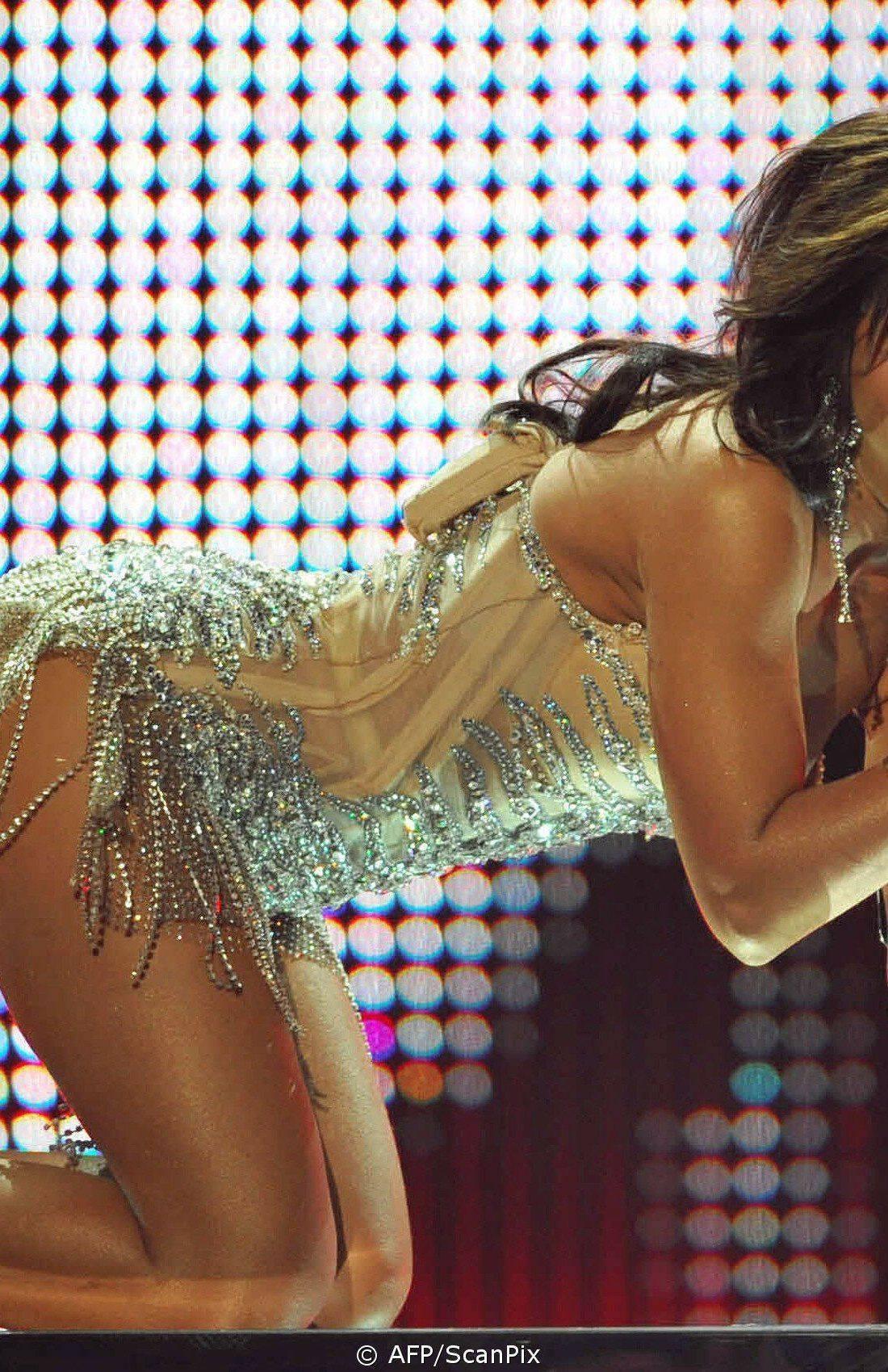 У знаменитости выпала грудь смотреть онлайн 18 фотография