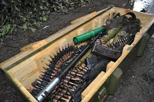 Украинские военные украли арсенал оружия из зоны АТО