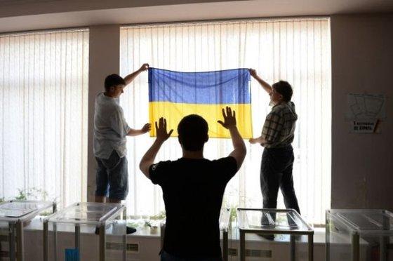 Сегодня Украина с Крымом и без войны выбирала бы президента...