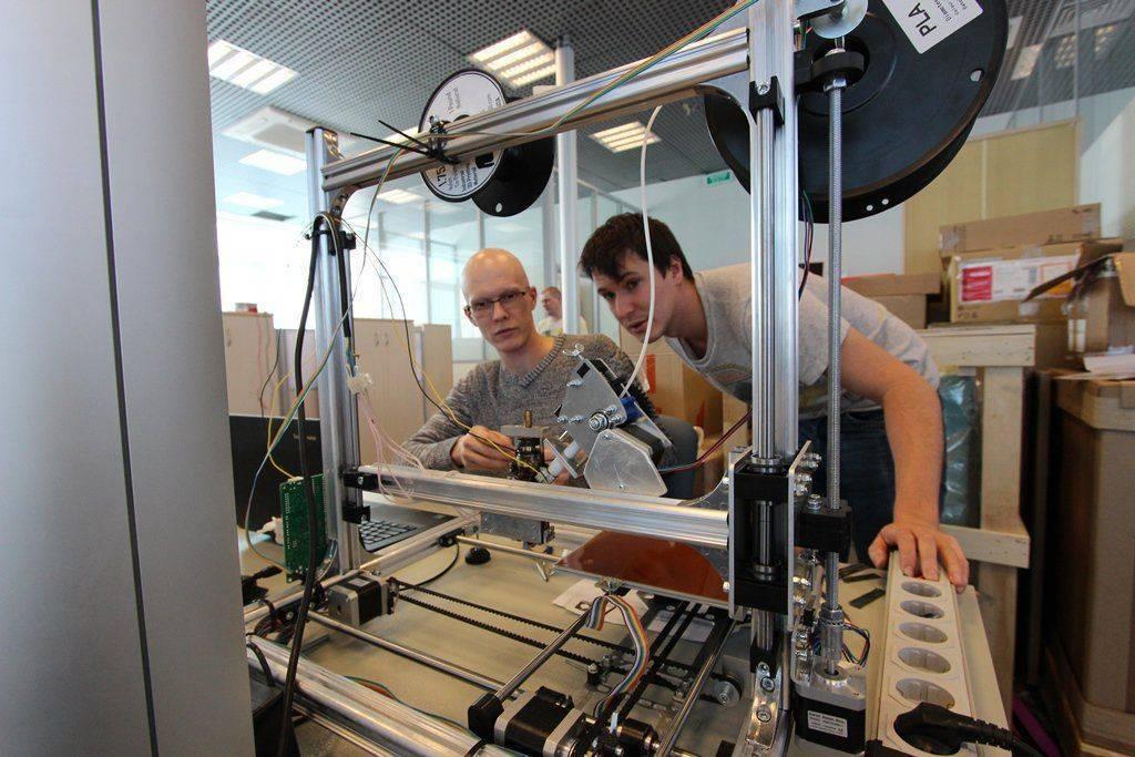 Первый в России 3D-принтер, печатающий композитами, создан в Сколково