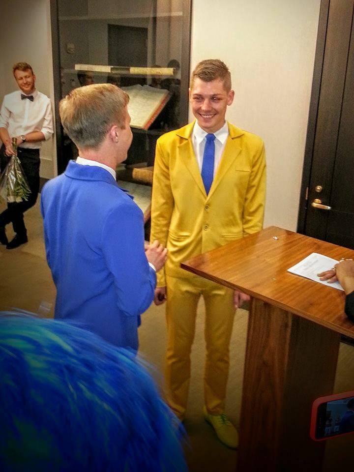 Украинские геей-парни смотреть