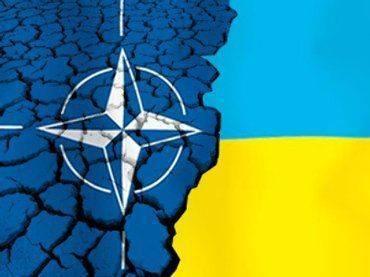Генсек НАТО прибывает в Киев проведать подопечных