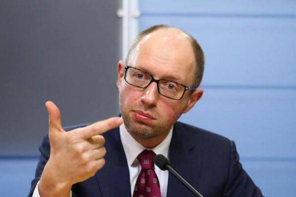 Яценюк всех кинул: Блокада Крыма оказалась очередным фейком