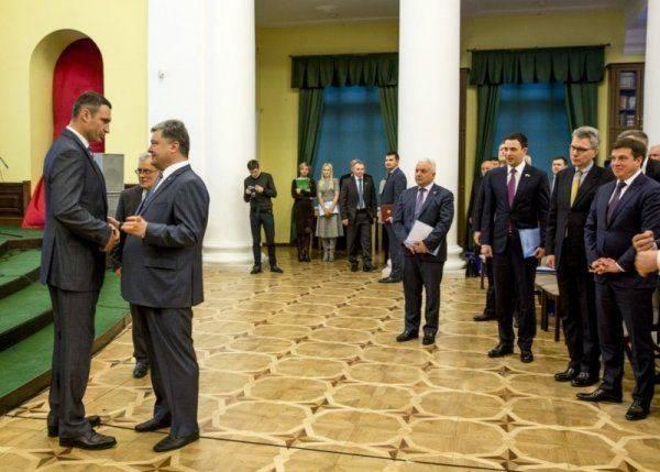 Закусывать надо: Порошенко опустил рубль и Германию