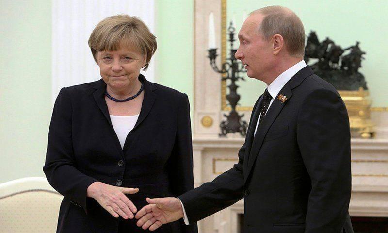 Меркель договорилась с Путиным на счет Донбасса по телефону