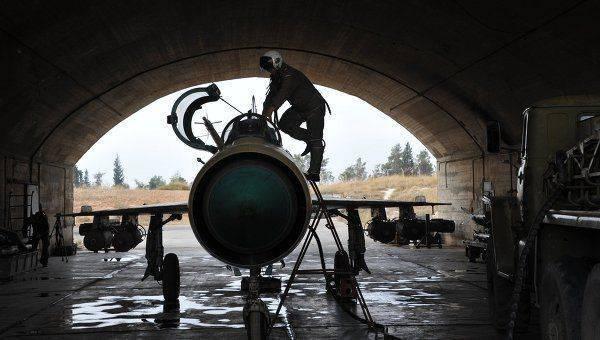 """Военный источник САР: сирийский МиГ-21 сбили американским """"Стингером"""""""