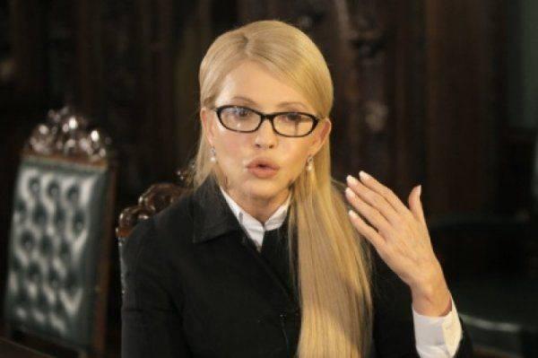 Савченко бросают в объятия Тимошенко: Крашеной блондинке вновь лепят биографию