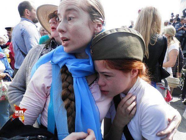 Полк наш бессмертен, Киев мы освободим снова!