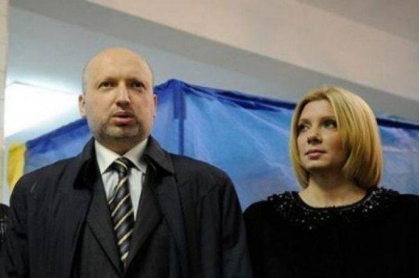 Покушение на кровавого пастора: жену Турчинова «пощекотали» ножом для устриц