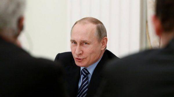 Bloomberg: Упавшему рейтингу Путина позавидовал бы любой политик