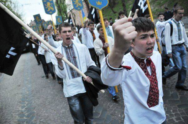 Галичанин-ватник: «Россия никак не развалится, а мы вот-вот рухнем куда-то в пропасть»