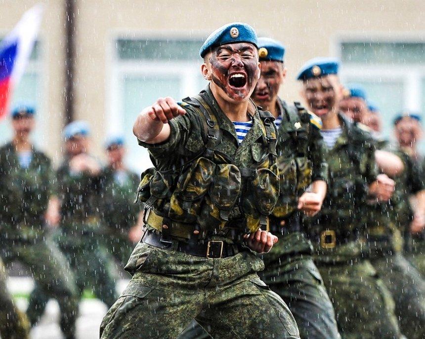 В рамках учений в Крым переброшены бригады ВДВ и морской пехоты