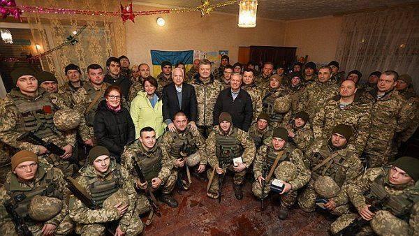 Тревожное видео: Американский сенатор потирает руки на Донбассе