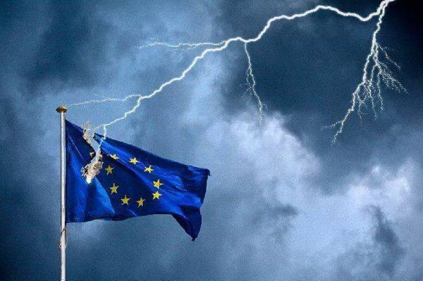 «Начинает падать Европа, а Россия устояла», — прозрение Украины