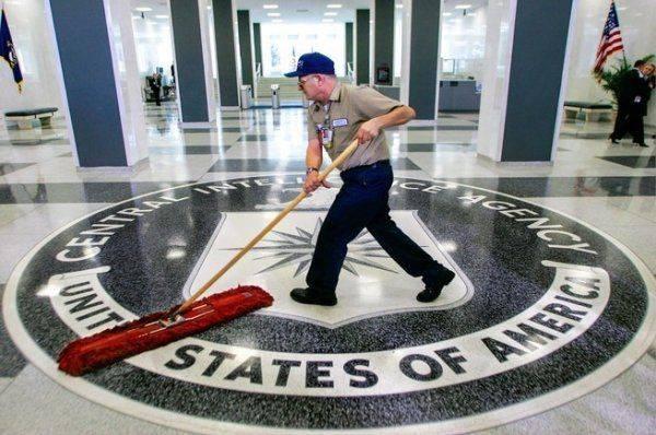 Спецслужбы могут добиться отставки Трампа – международник
