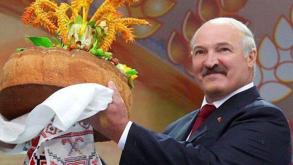 Зачем Лукашенко завлекает интуристов?