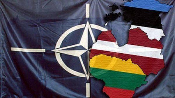 НАТО — странам Прибалтики: С русскими воевать не хотите? Мы вас заставим!