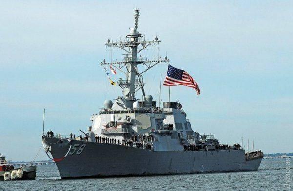 Трамп отменил заход военного корабля США к Порошенко