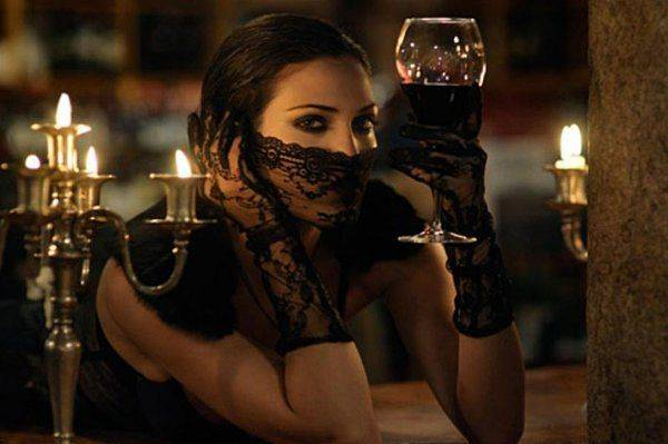 Почему современные женщины много пьют