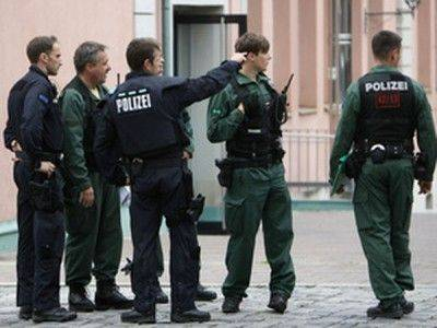 В Германии беженец избил россиянку и украл у неё сумочку