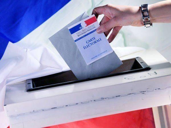 Выборы во Франции: война троих подходит к концу