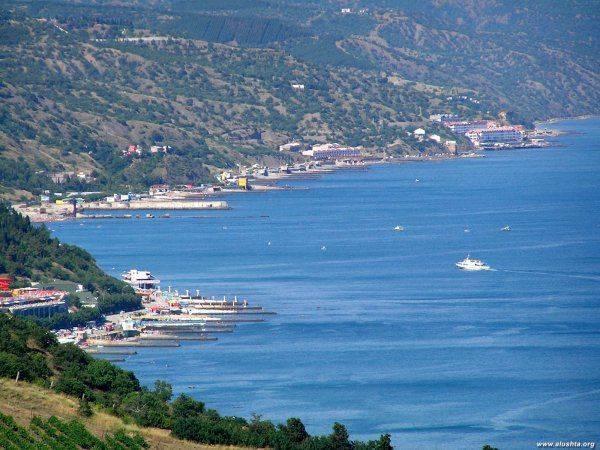 Крым расцвел, или Как полуостров готовится к летнему сезону