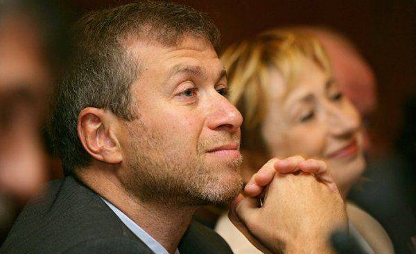 Абрамович выходит из украинских активов