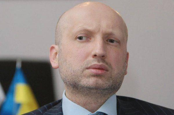 Турчинов боится повторить судьбу Яценюка и кануть в лету
