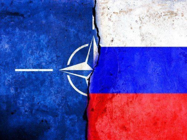 Бомбардировки НАТО в Югославии имеют сходство с ударами США по Японии