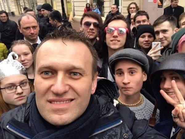 Педофилия Навального: за работой с подростками стоят извращенцы и наркоманы
