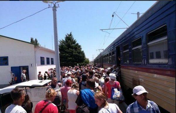 УкроСМИ похвастались «забитыми поездами» перед Россией: Крым, завидуй