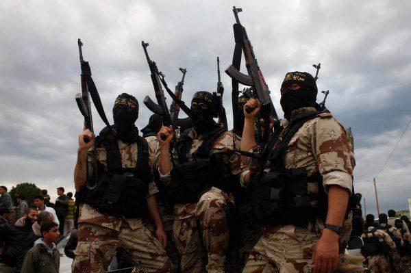 Реки крови в «раю исламистов»: Крупнейшие банды начали жестокую войну, отбивая друг у друга сирийские города