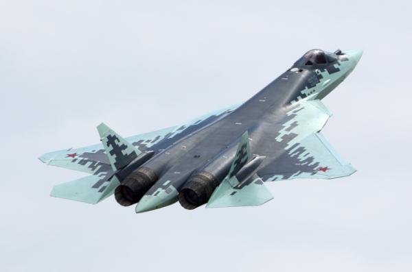 Серийный вариант истребителя Т-50 получил официальное наименование Су-57