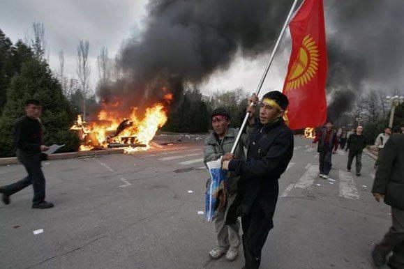В октябре в Кыргызстане пройдут выборы президента. А после начнется кровавая революция?