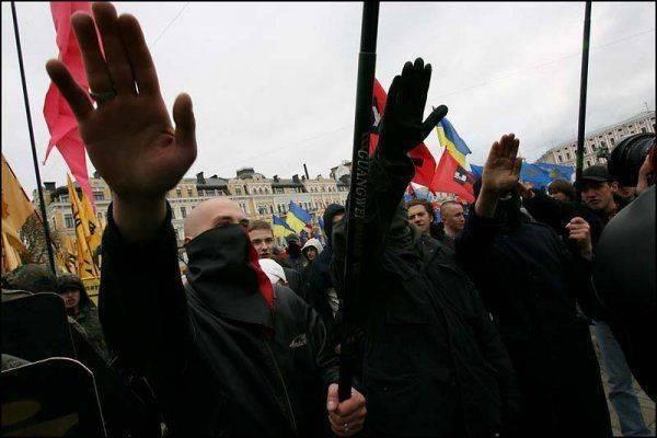 Украинский маразм: во Львове при собеседовании на госслужбу требуют спеть песню УПА