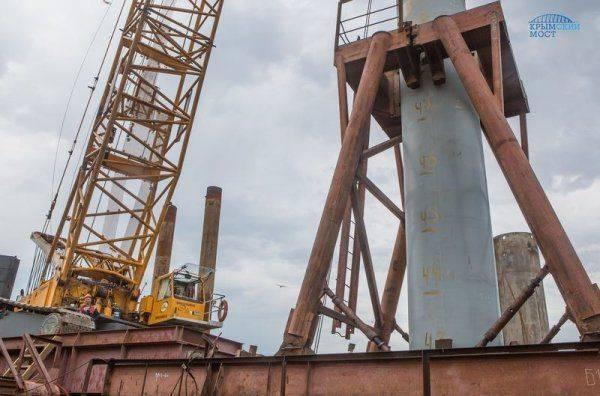 Стройка Керченского моста: вбита последняя свая для автомобильной части