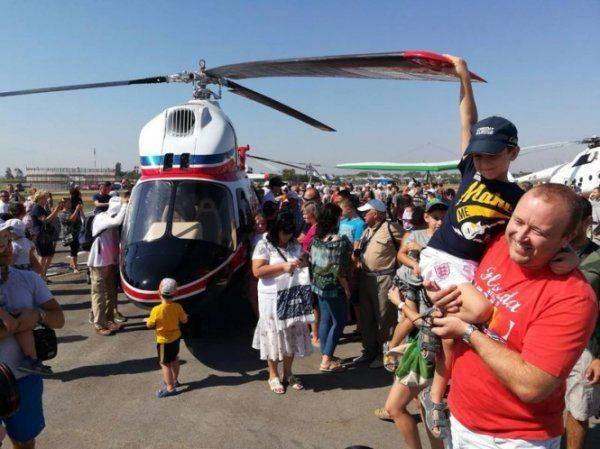 Украина представила своей первый вертолет «Надежда»