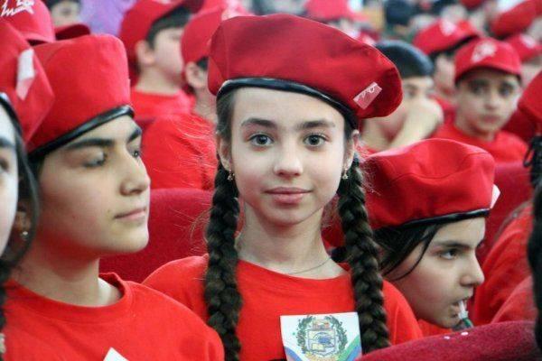 Школьники Кавказа вступают в юнармейское движение