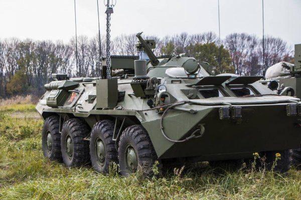 На учениях под Курганом испытали новейшие разведывательные машины РХМ-6