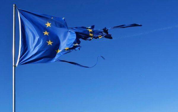 ЕС не собирается помогать восстановлению экономики Сирии