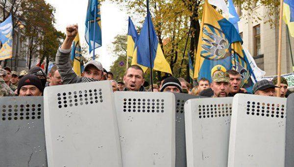 Майдан у Рады: возгорится ли из искры пламя?