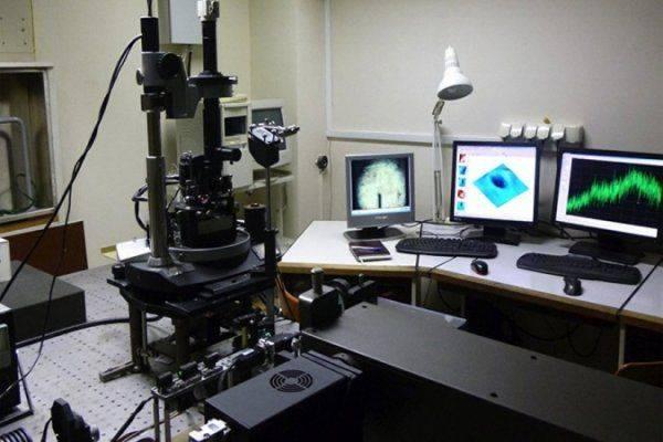 В России создан уникальный микроскоп, «видящий» объект и снаружи, и внутри