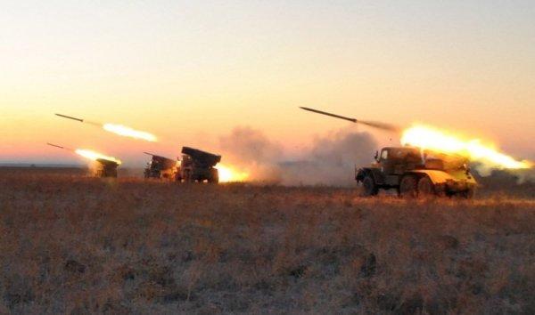 «Ведут страну к катастрофе»: эксперт оценил список необходимого Киеву вооружения от США