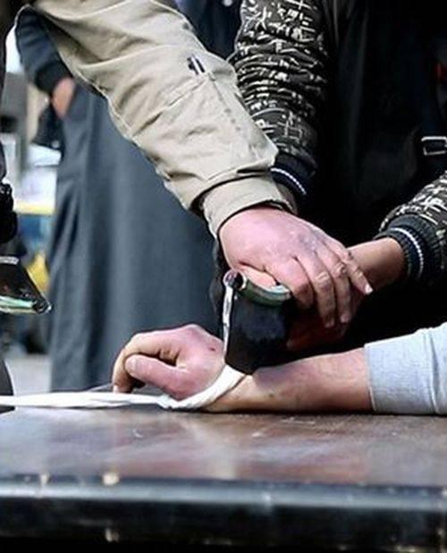 «Поотрубаю руки, тем  кто будет красть у армии,» — Порошенко