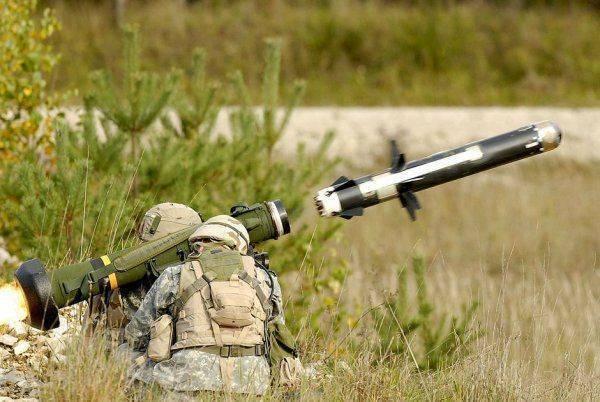 Чем воюет Украина в ожидании американского оружия