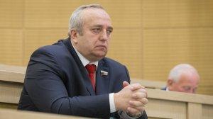 Франц Клинцевич: США запутались в своём политическом театре