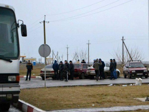 Взбунтовавшиеся таксисты-нелегалы прогнали украинскую власть из Чонгара