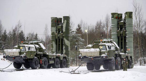 Страна-бензоколонка атакует: Moody's теперь работает на Россию