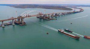 «Уважение России и Путину»: иностранцы обсуждают Крымский мост