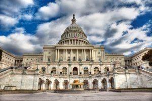 В США разгорается скандал, который может затмить Уотергейт